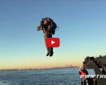 Watch as This Guy Flies Around New York With His Jet Engine Powered Backpack!