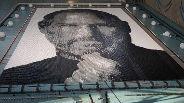 Largest Domino Portrait